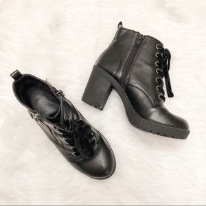Mossimo Boots Combat Heel Lace Up & Zippered